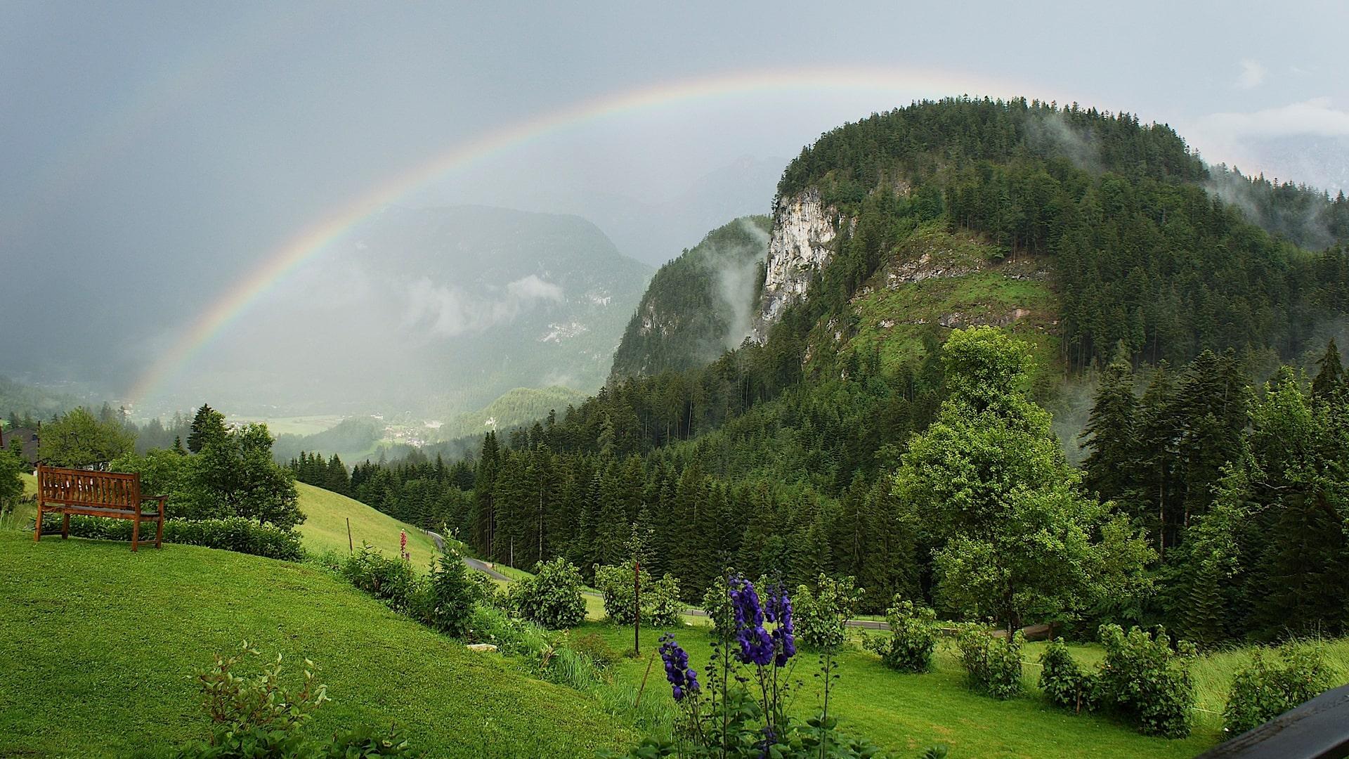 Regenbogen über dem Liedersberg-min