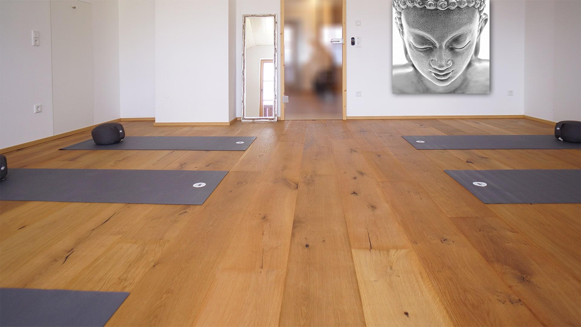Yogaraum_DSC07211_mit Buddhabild-min